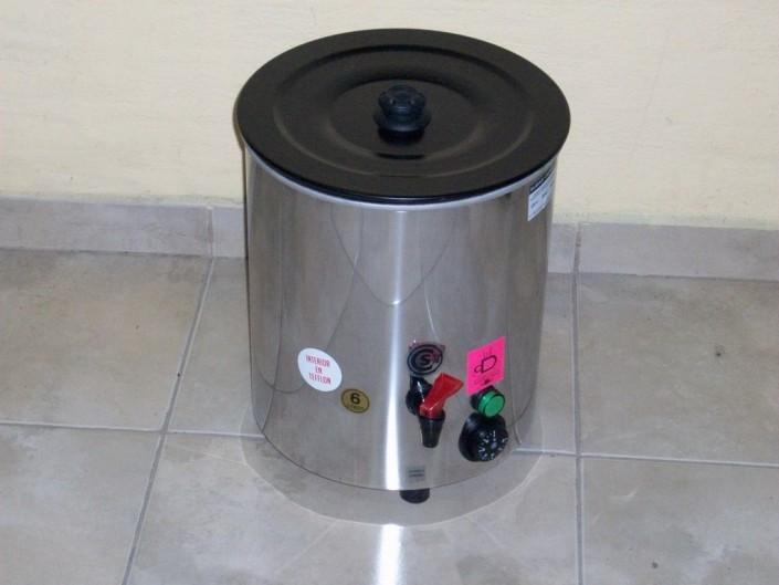22026 -Cafetera acero 6 litros