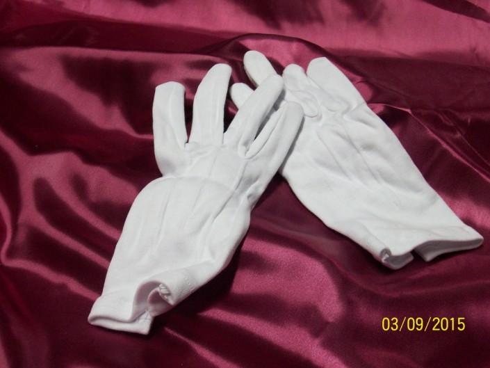 1611 - Guantes blancos